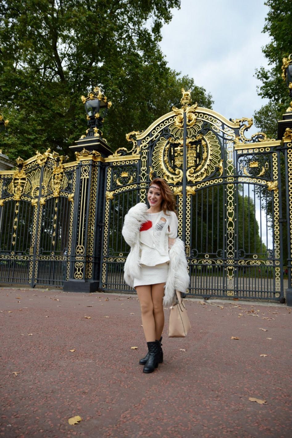 buckingham palace fashion style