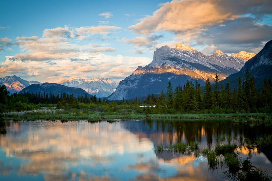 vermillion lakes banff sunset