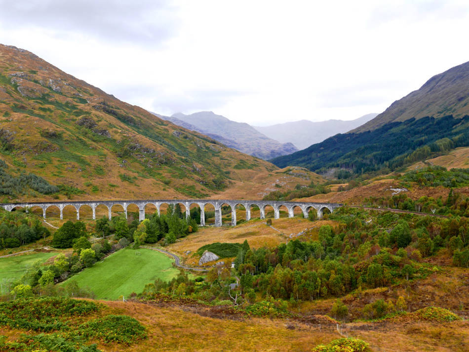 glenfinnan viaduct harry potter autumn