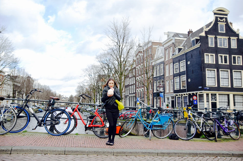 amsterdam canals bikes