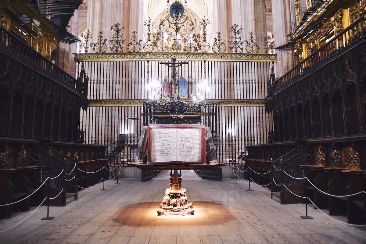 segovia cathedral inside