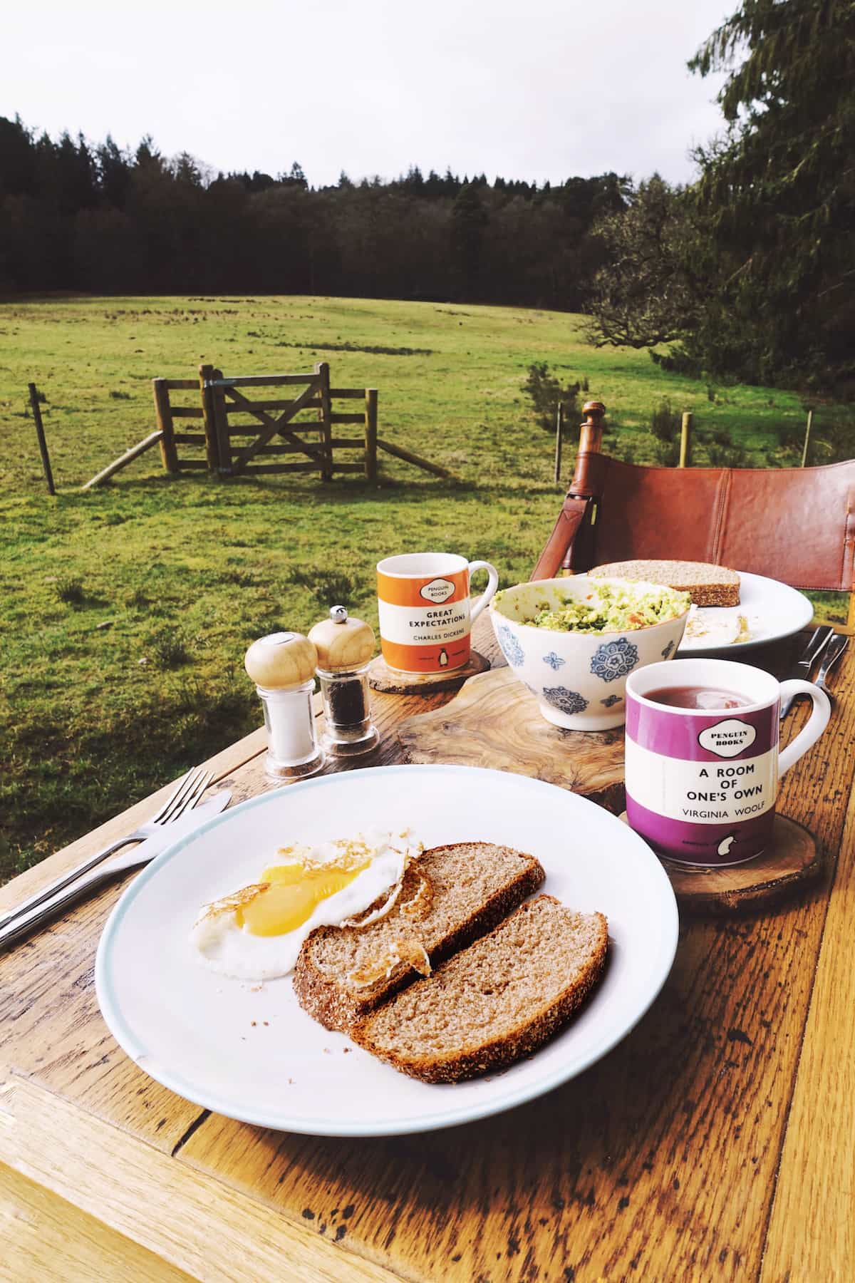 hesleyside huts holly breakfast
