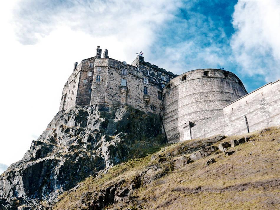 edinburgh castle scary