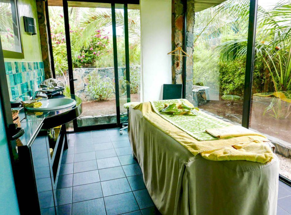 Hotel Seaside Palm Beach massage spa