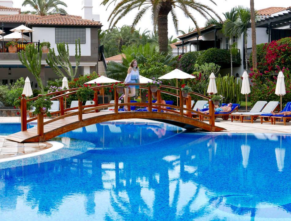 Seaside Grand Hotel Residencia Gran Canaria Girl Vs Globe
