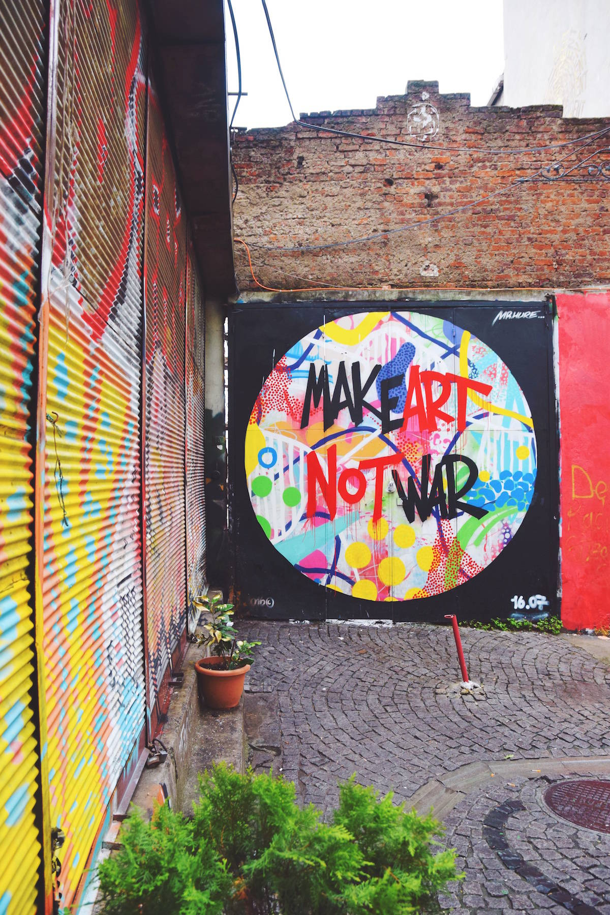 make art not war istanbul turkey