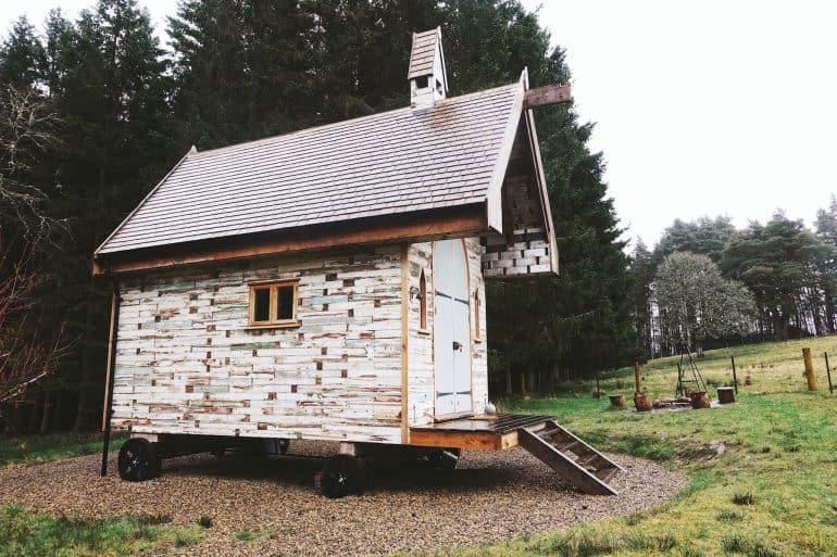 hesleyside huts holly northumberland